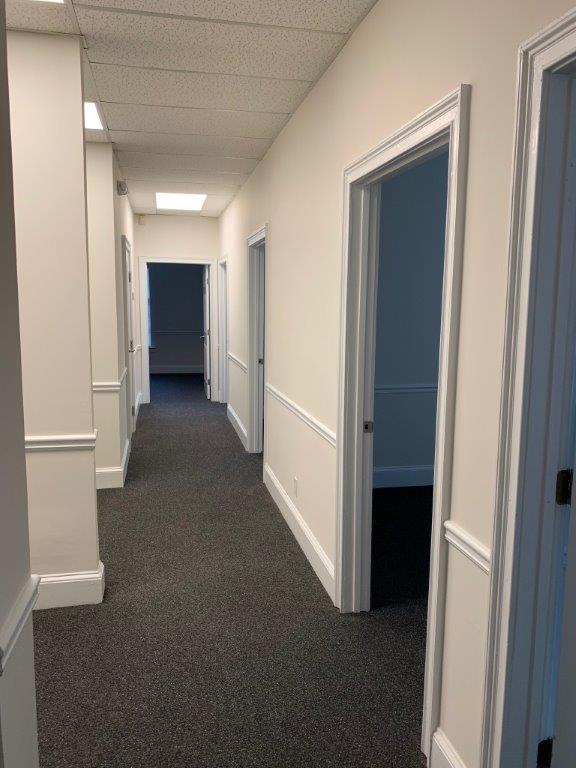 http://www.richardbowers.com/wp-content/uploads/Interior-Hallway-2nd-floor-Bldg-M.jpg