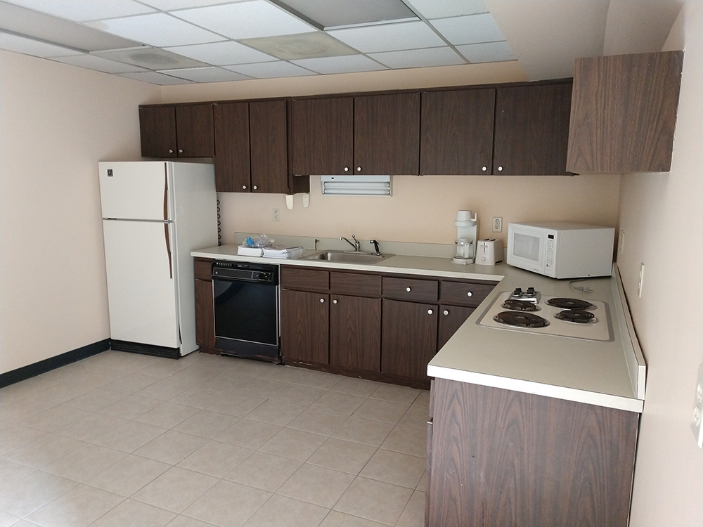 http://www.richardbowers.com/wp-content/uploads/Kitchen-Breakroom-Area-pic.jpg